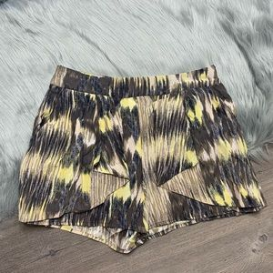 PARKER | Yellow 100% Silk Shorts Size M